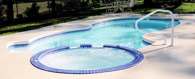 Preven o 10 dicas para quem tem piscina em casa for Constructor piscinas