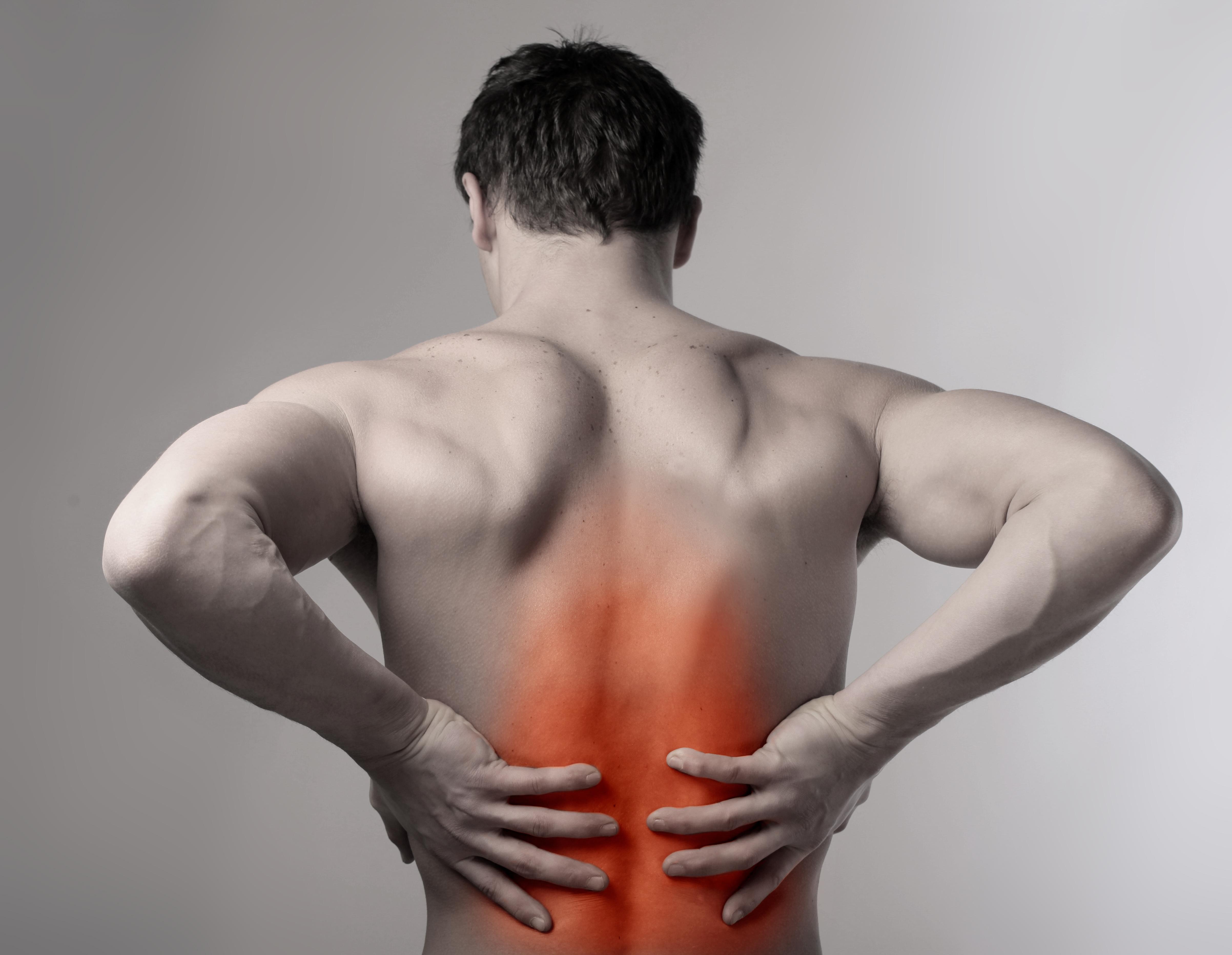 Dores nas costas? A natação pode te ajudar!