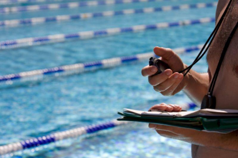 Saiba como melhorar seu desempenho nas aulas de natação